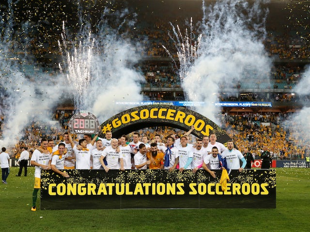 Australia celebrate qualifying for the 2018 World Cup