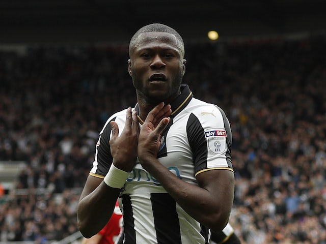 Mbemba leaves Newcastle to join Porto