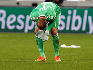 Newcastle turn down bid for Matz Sels?