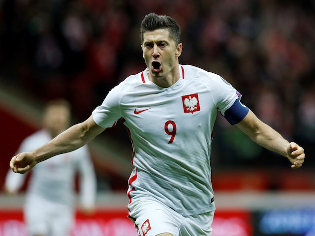 Man United 'enter Lewandowski race'