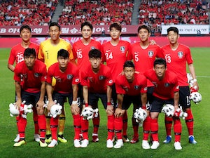 The South Korea team line up before their friendly game with Bosnia and Herzegovina on June 1, 2018