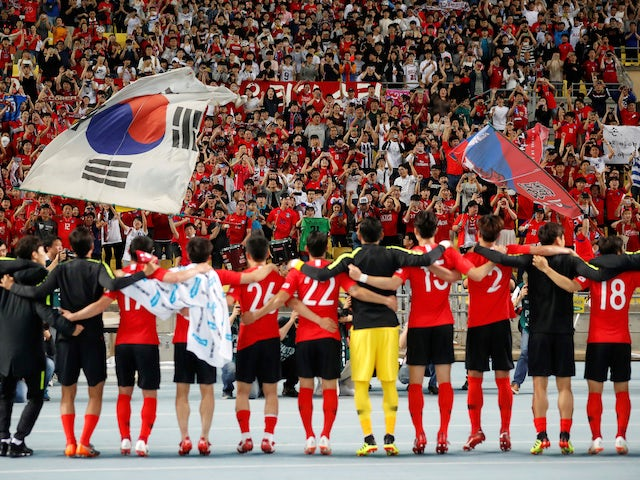 South Korea's players celebrate following an international friendly in March 2018