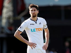 Swans demand £10m from Magpies for Fernandez?