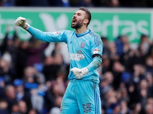 Millwall pull out of deal for Ipswich keeper