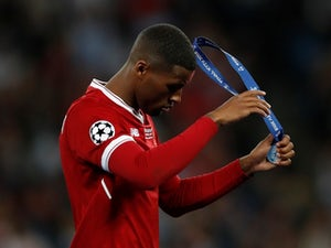 Wijnaldum 'considering Liverpool exit'