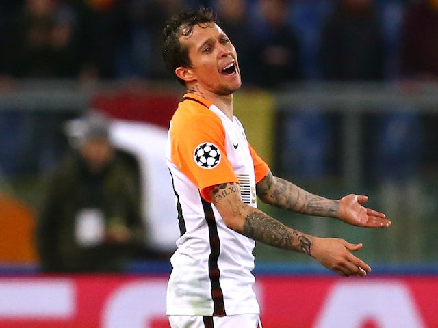 Chelsea 'favourites to sign Bernard'