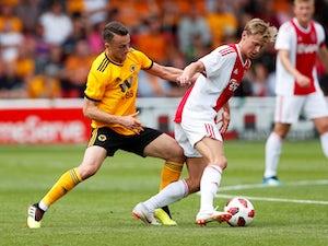 Overmars: 'De Jong not joining Barca'