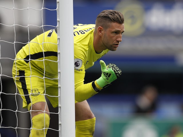 Everton 'ready to sell Stekelenburg in January'