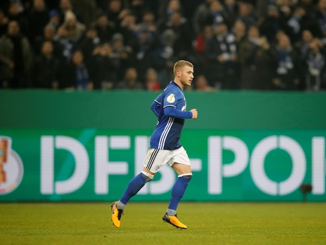 Report: Palace in talks to sign Max Meyer