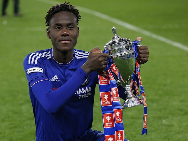 Trevoh Chalobah celebrates winning the FA Youth Cup with Chelsea in 2016