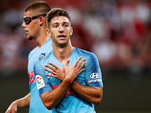 Fulham seal loan deal for Luciano Vietto
