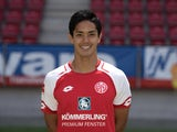 Yoshinori Muto poses for his Mainz headshot in July 2017