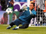 Keylor Navas warms up for Real Madrid on September 13, 2017