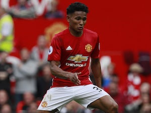 Bolton 'want Man United defender on loan'