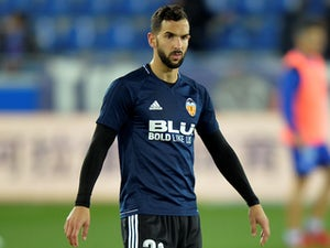 Fulham 'win race for Martin Montoya'