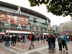 Arsenal chairman Sir Chips Keswick retires