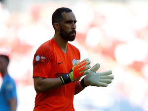 Claudio Bravo in line for new Man City deal?