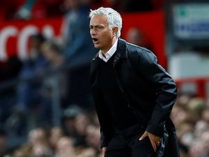 Neville: 'Man Utd must stick with Mourinho'