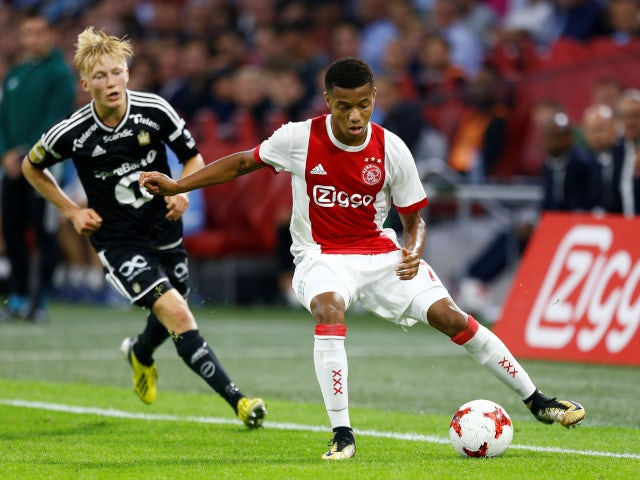 Man United to battle Arsenal for Neres?