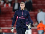 Bernd Leno warms up prior to the Europa League group game between Arsenal and Vorskla Poltava on September 20, 2018