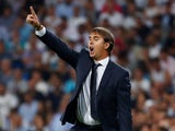 Real Madrid manager Julen Lopetegui gives orders on September 19, 2018