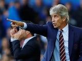 West Ham United manager Manuel Pellegrini gestures on September 16, 2018