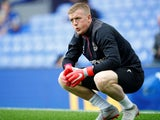 Jordan Pickford warms up for Everton on September 16, 2018