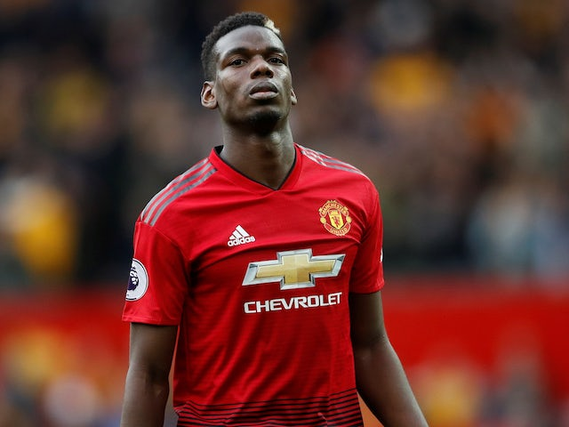 Pogba 'sparks 25-man hunt for missing earring'
