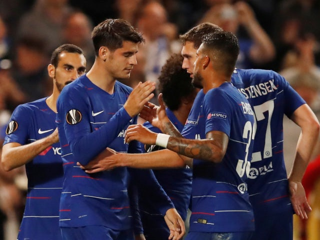 Alvaro Morata celebrates with his teammates after scoring Chelsea's winner against Videoton in the Europa League on October 4, 2018