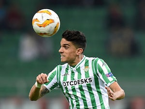 Marc Bartra in action for Real Betis in the Europa League on October 25, 2018