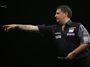 Two-time world champion Gary Anderson storms into PDC Home Tour semi-finals