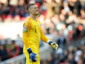 Harper urges Peacock-Farrell to follow Pickford's example