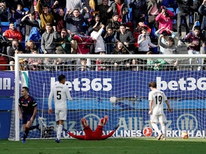 Eibar midfielder Gonzalo Escalante celebrates scoring against Real Madrid