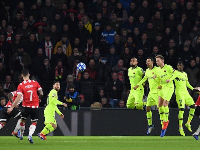 PSV Eindhoven's Gaston Pereiro takes a free kick against Barcelona on November 28, 2018