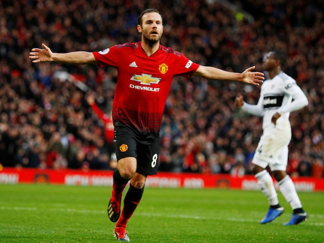 Barcelona 'make contact with Juan Mata'