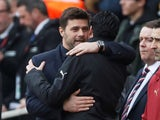 Unai Emery and Mauricio Pochettino embrace on December 2, 2018