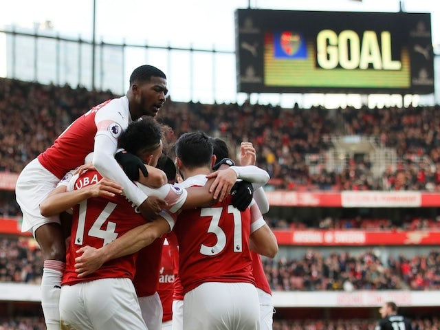 Arsenal players celebrate Pierre-Emerick Aubameyang's opener against Burnley on December 22, 2018