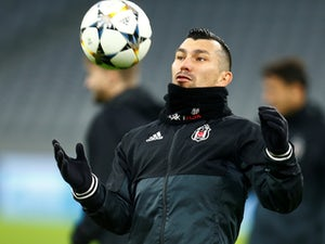 West Ham 'fall short with Gary Medel bid'
