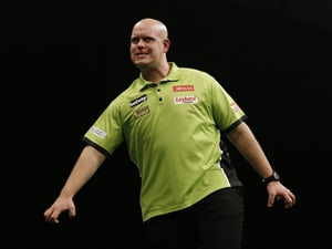 Michael Van Gerwen eases into second round at World Matchplay