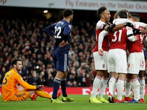 Arsenal see off Fulham to get back to winning ways