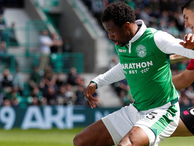 Derby sign former Celtic and Hibs defender Ambrose on short-term deal