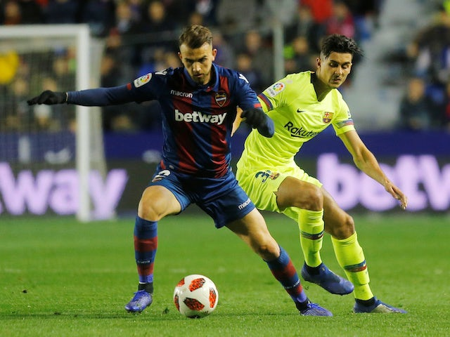 Levante attacker Borja Mayoral in action with Barcelona's Juan Brandariz in the Copa del Rey on January 10, 2019.