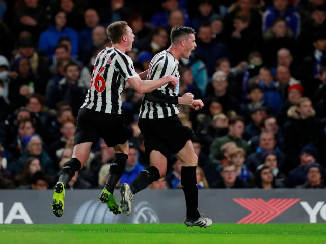 Ciaran Clark celebrates Newcastle United's equaliser against Chelsea on January 12, 2019