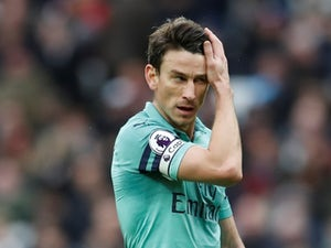 Koscielny 'holds talks over Arsenal future'