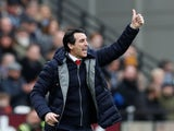 Arsenal manager Unai Emery watches on during his side's Premier League clash with West Ham on January 12, 2019