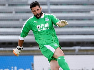 First start in more than year for Premier League's oldest player Speroni