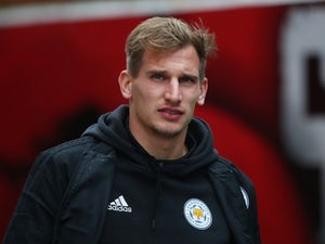 Marc Albrighton commits future to Leicester