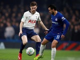 Ben Davies watches on against Pedro during the EFL Cup semi-final second leg between Chelsea and Tottenham Hotspur on January 24, 2019