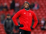 Daniel Sturridge warms up for Liverpool on January 19, 2019