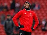 Daniel Sturridge warms up for Liverpool on January 19, 2019